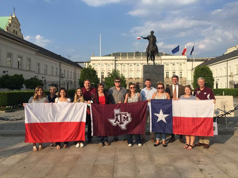 Studenci z Teksasu u polskich rolników!