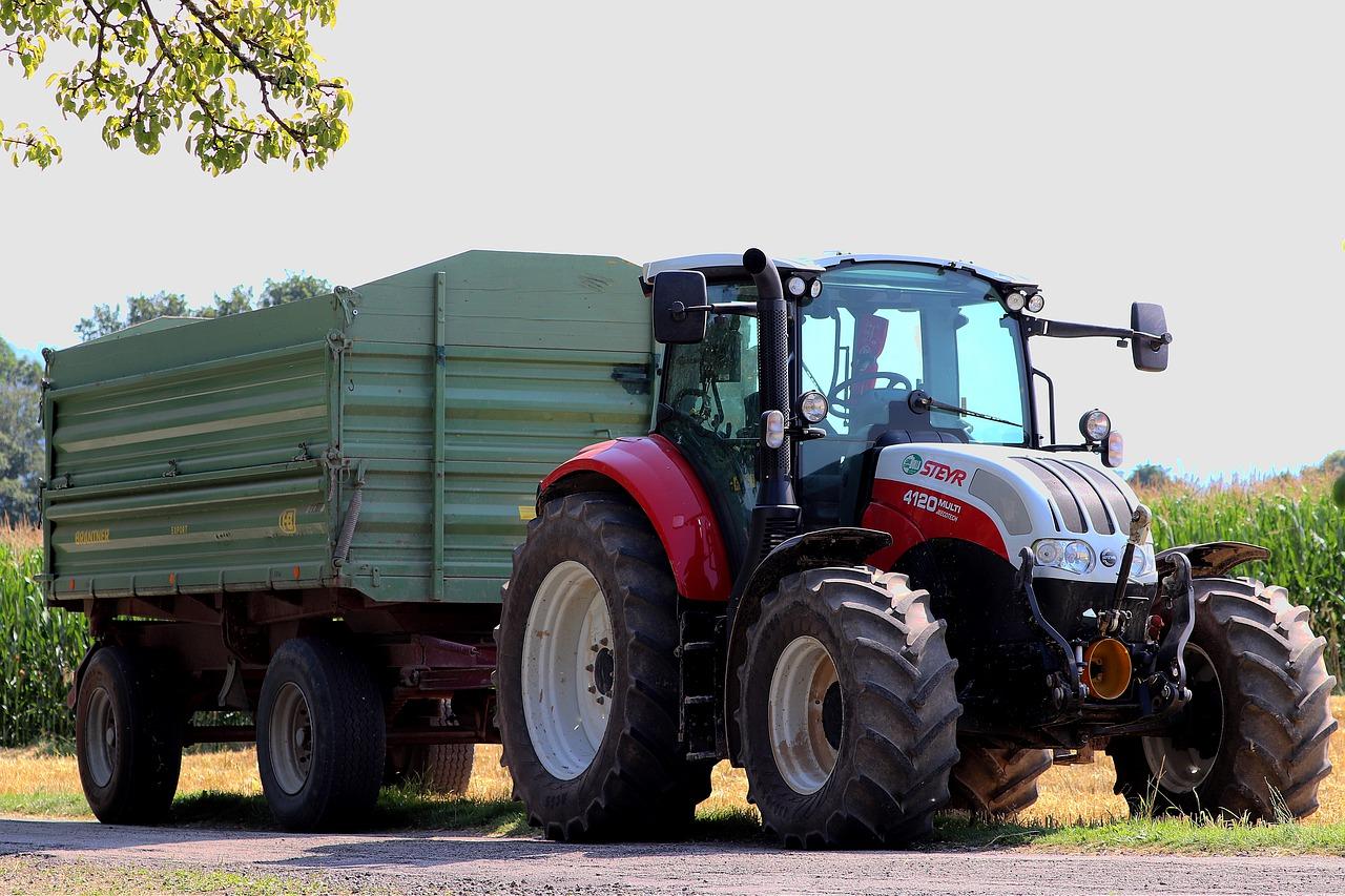 PZPRZ za zwiększeniem maksymalnej dopuszczalnej prędkości ciągników rolniczych na drogach publicznych do 50 km/h.